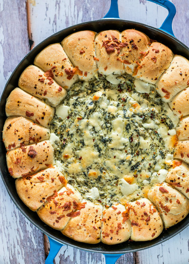 Skillet Pull Apart Bread with Spinach and Artichoke Dip